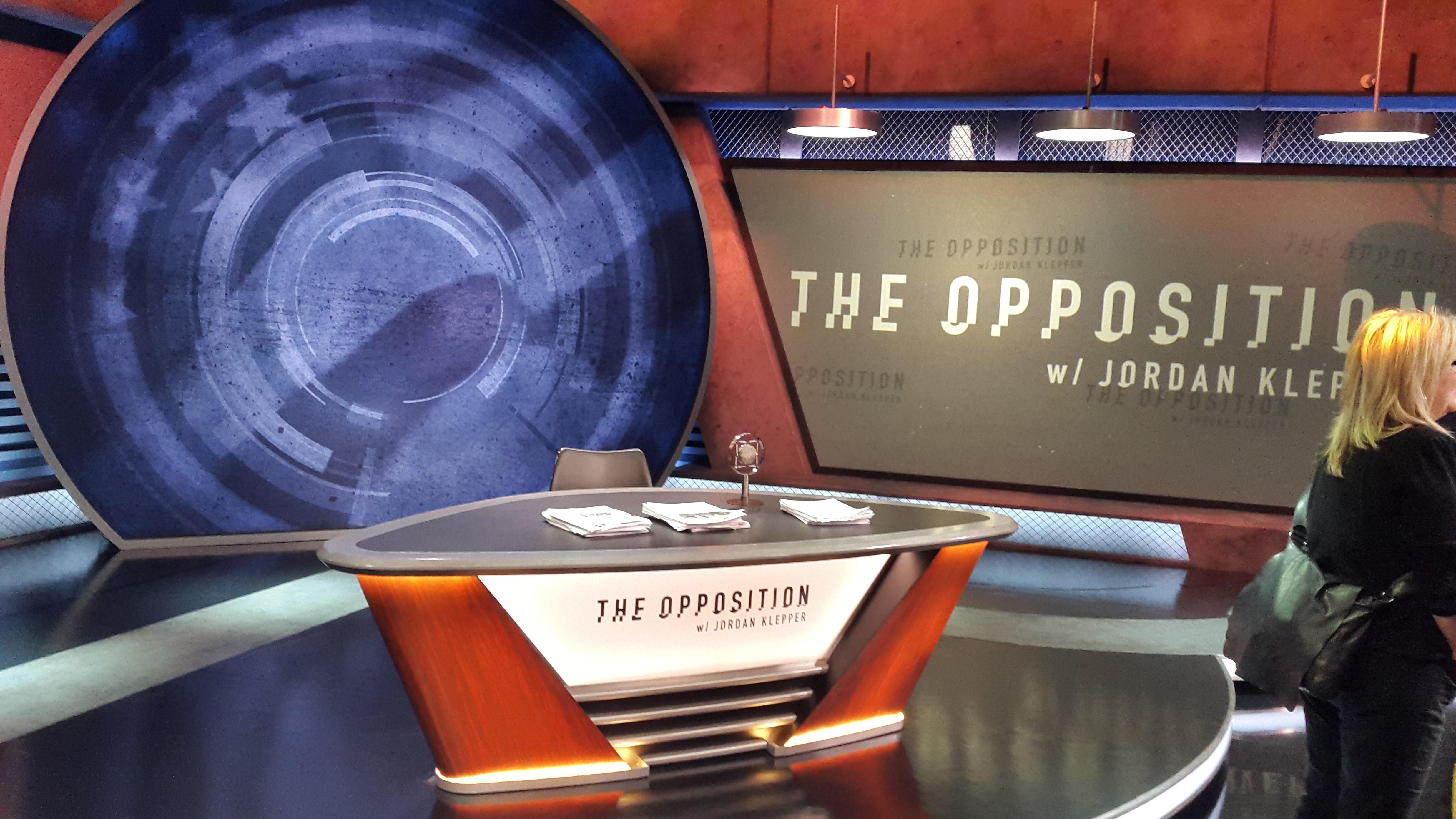 De set van The Opposition with Jordan Klepper. Foto Hans Klis